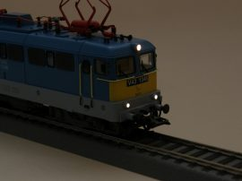 Driver's cabin imitation and PluX22 DCC-board for Fuggerth V43electric locomotive, original simple headlight version
